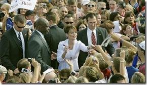 Palin Signing Autographs