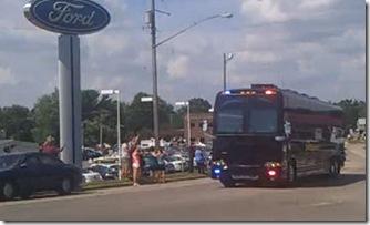 Obama_Tour_Black_Bus