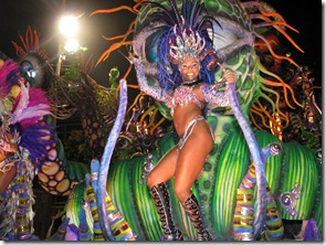 dancer-at-carnival-in-rio